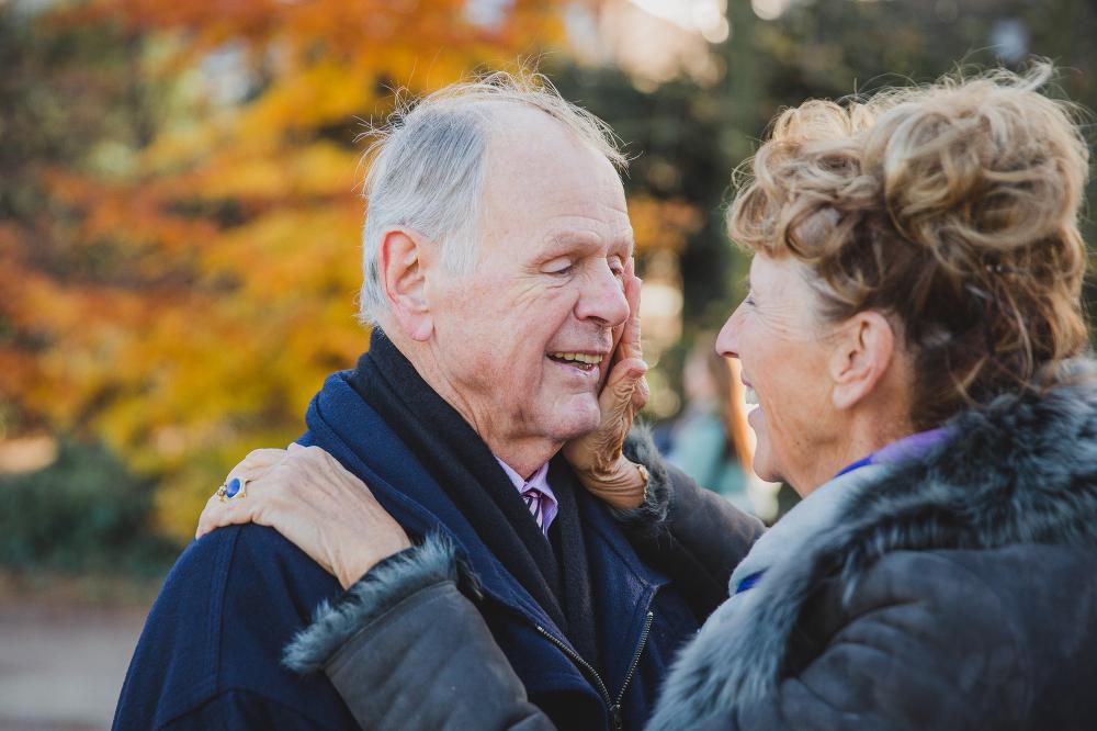 ouder echtpaar fotoshoot, 52 jaar getrouwd!
