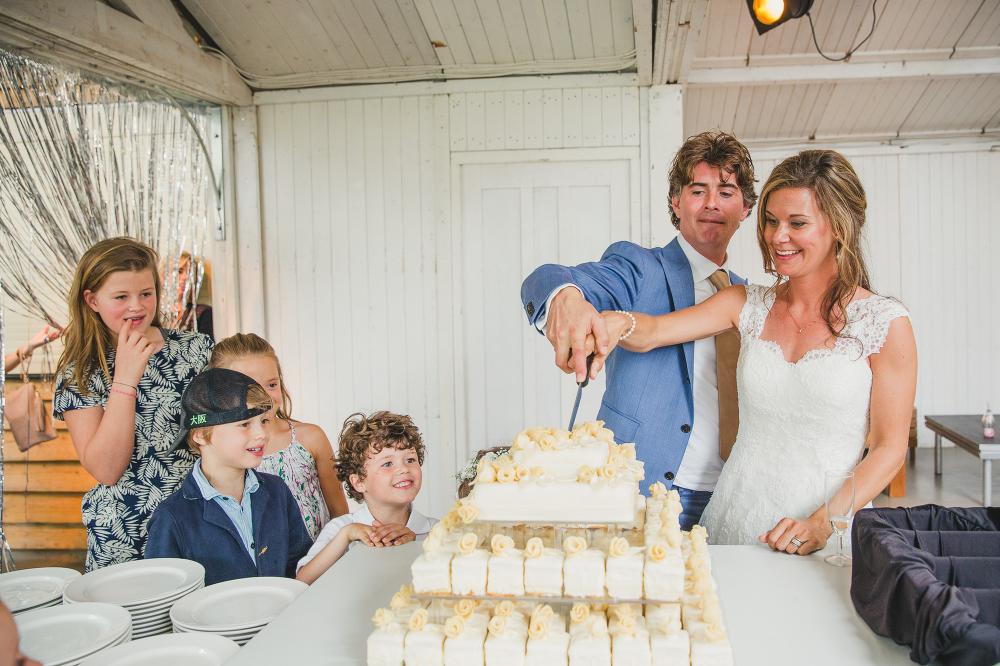 bruidstaart en cakejes