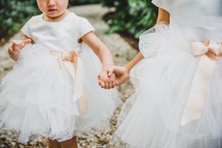 zusjes bruidsmeisjes